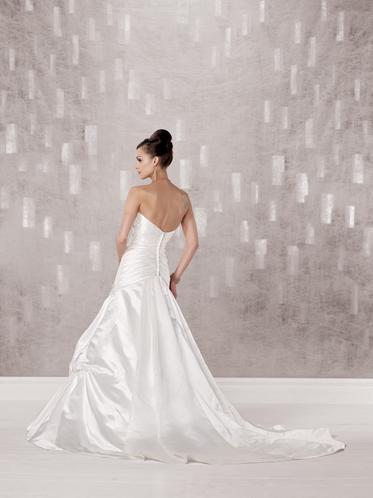 Brautkleid der woche – kathy ireland for mon cheri