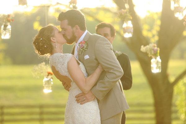 Blumig-romantische Hochzeit von Allison & Kyle ~ by J. Woodbery Photography - Hochzeitsblog I ...