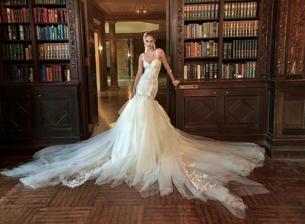 Ausladendes Brautkleid von Galia Lahav