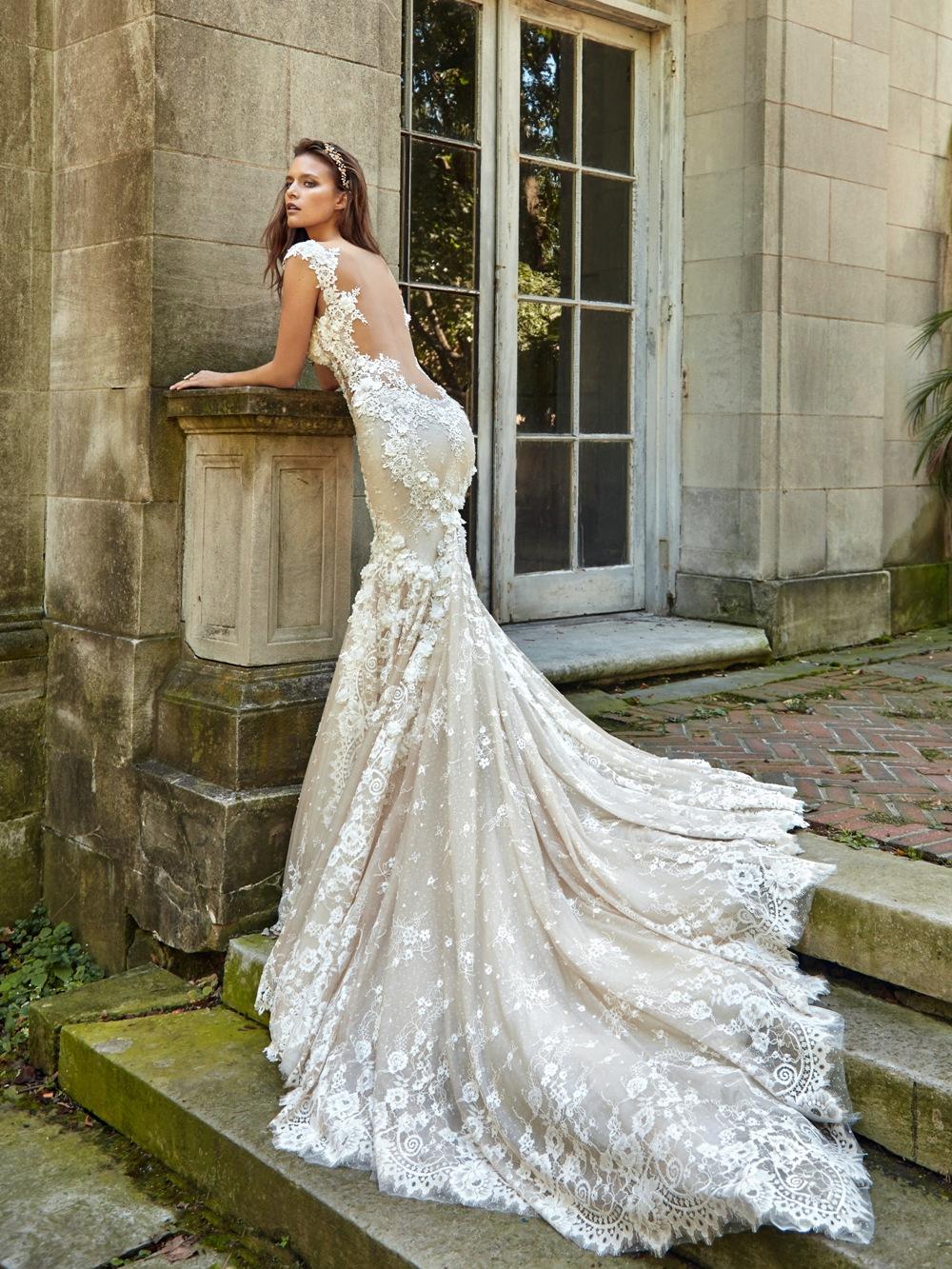 Brautkleid von Galia Lahav mit tiefem Rückenausschnitt