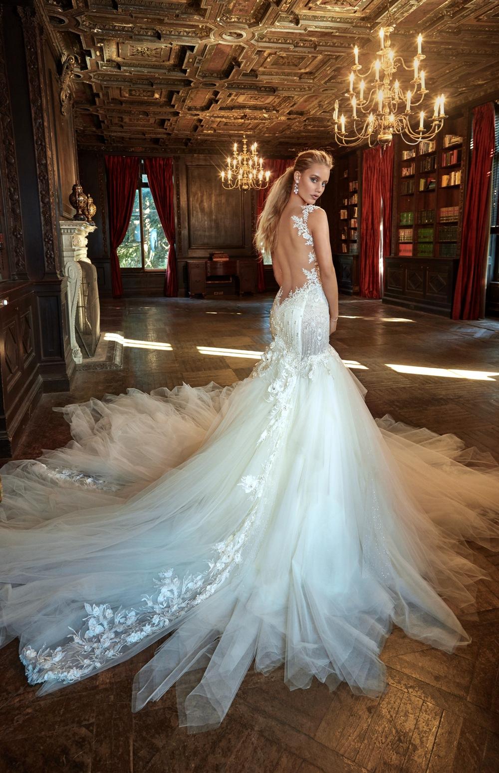 Brautkleid von Galia Lahav mit weitem Tüllrock