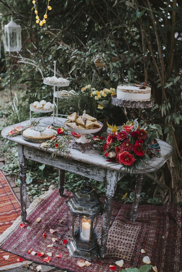 Tischdekoration für die Hochzeit im Orient-Trend auf Brautsalat