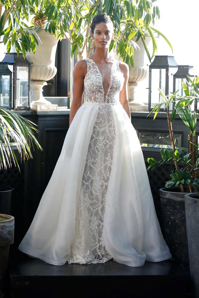 sexy Brautkleid mit Tüllrock und Perlen von Francesca Miranda auf dem Hochzeitsblog Brautsalat