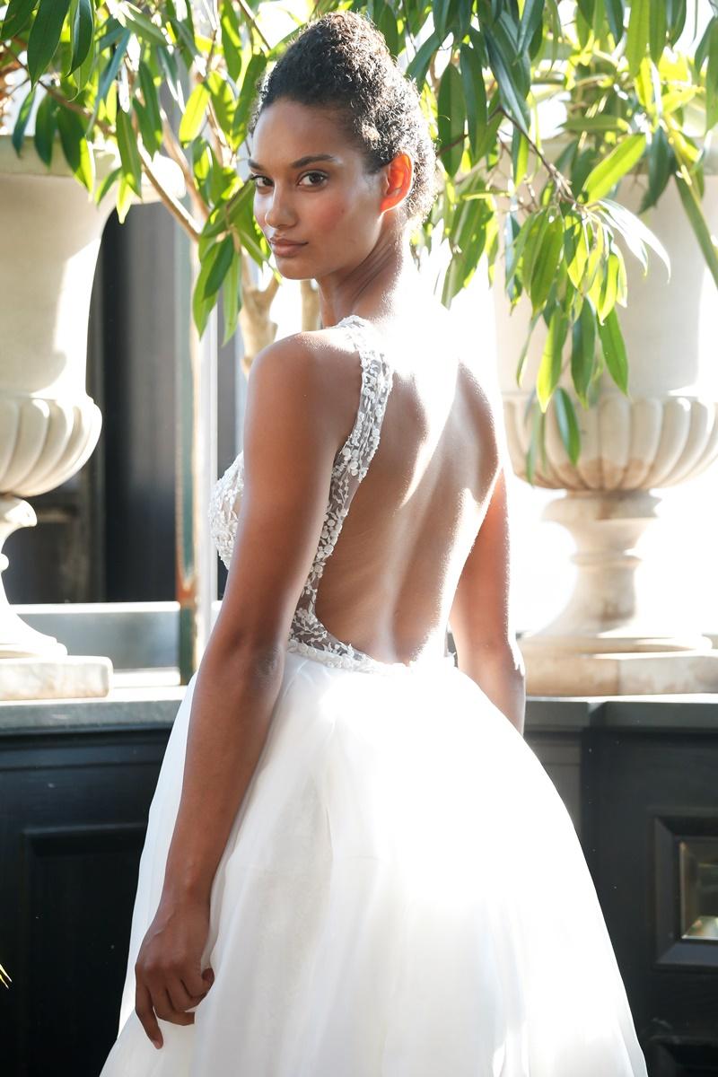 Tüllrock Rückenausschnitt Brautkleid von Francesca Miranda auf dem Hochzeitsblog Brautsalat