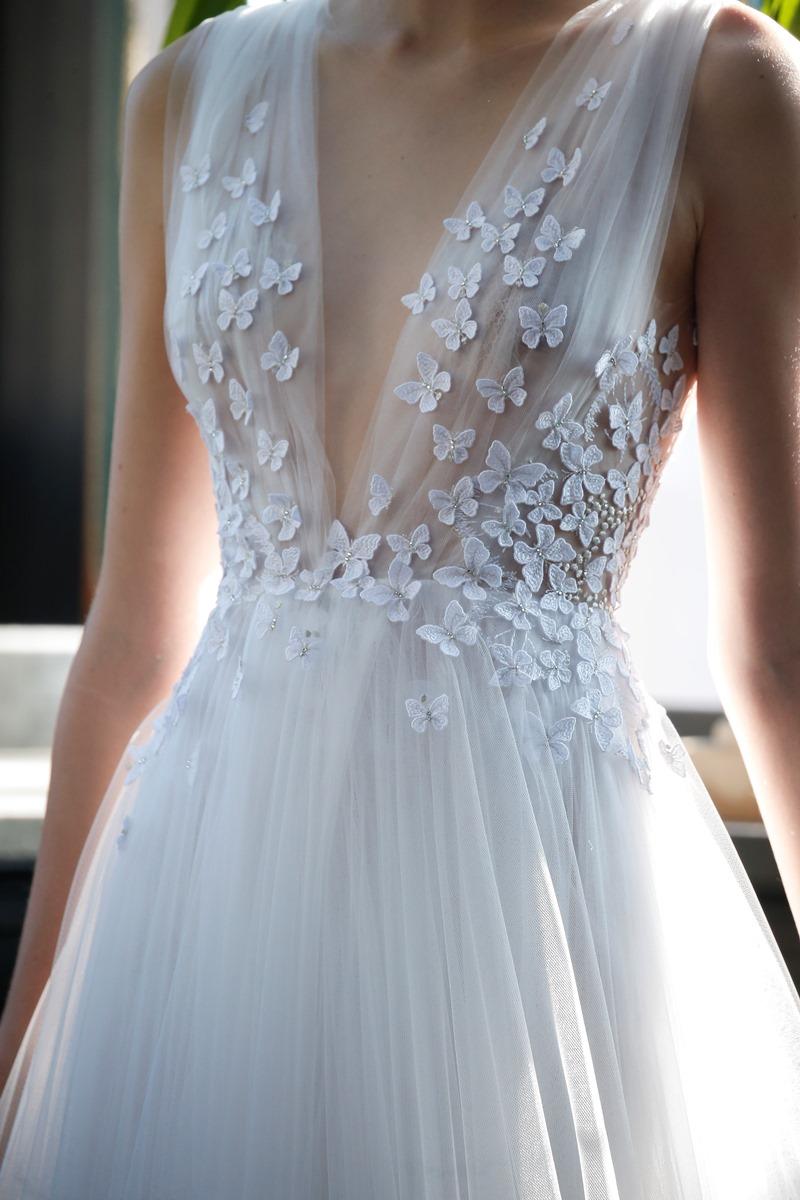 Schmetterling Spitze Brautkleid von Francesca Miranda auf dem Hochzeitsblog Brautsalat