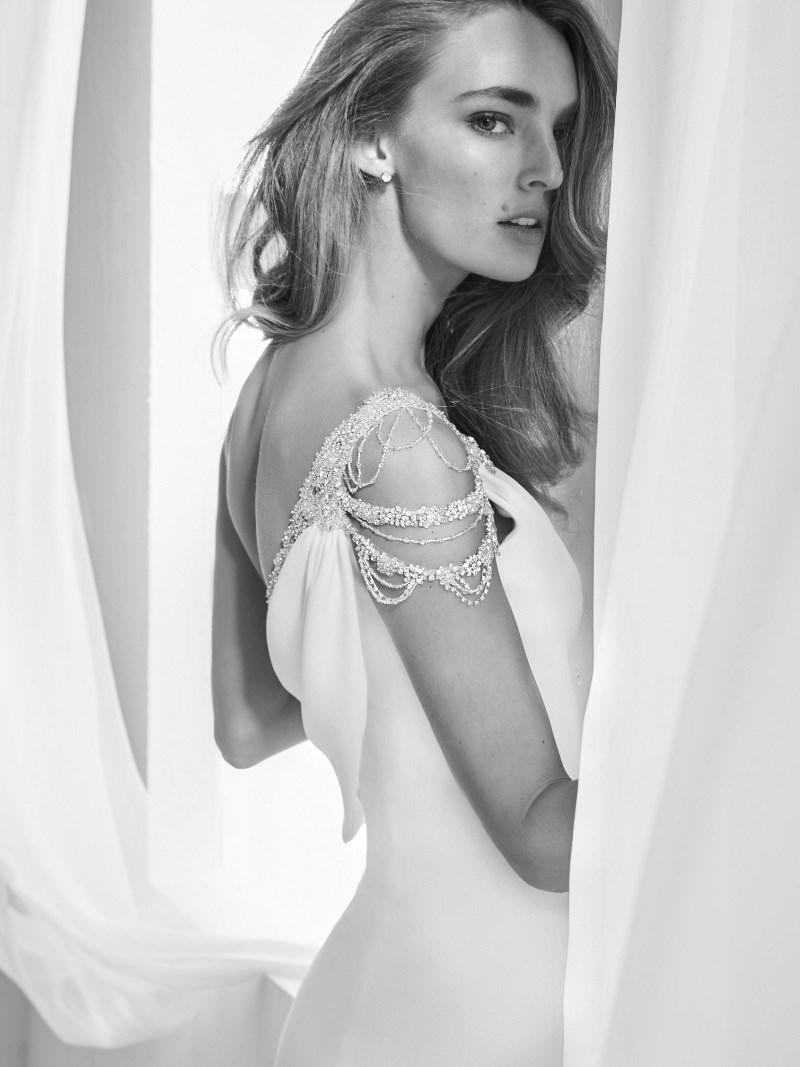 Brautkleid Strass Pronovias Preview Kollektion 2018 Hochzeitsblog Brautsalat