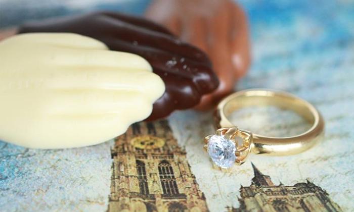 Verlobungsring: an welcher Hand tragen?