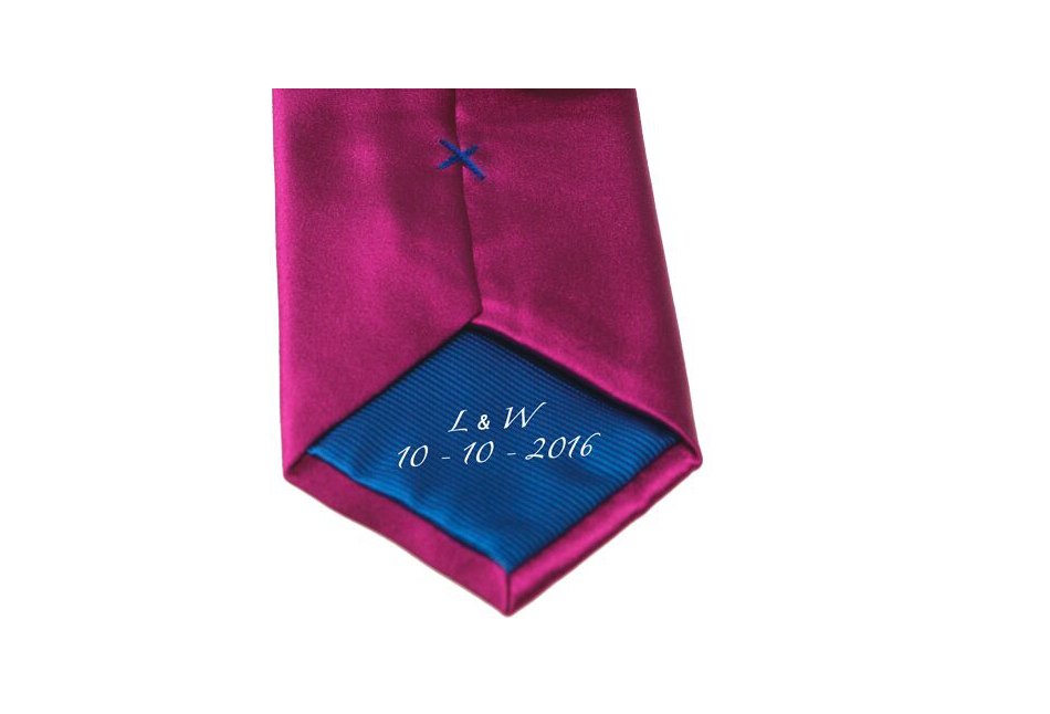 braeutigamaccessoires-krawatte-ausschnitt-kleiner